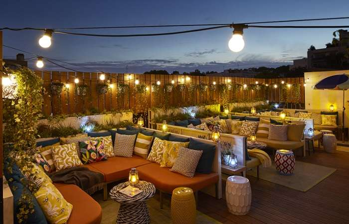 15+ Rooftop Restaurants in Ahmedabad